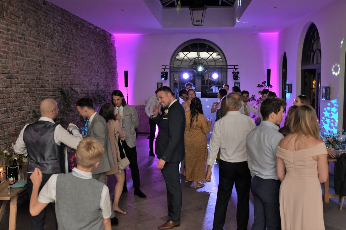 Wedding DJ Teesside North Yorkshire