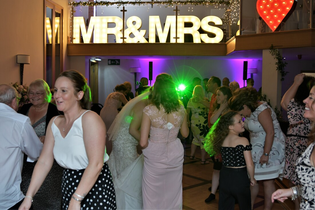 Wedding DJ Alnwick Northumberland